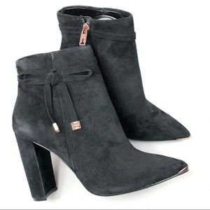 Ted Baker London Qatena Black Suede Size 39.5 New